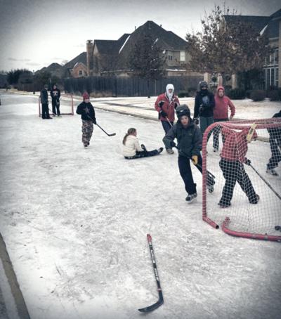 131208-Street-Hockey-on-Skates