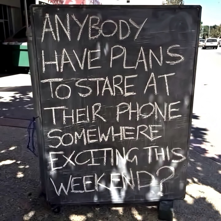 151010 Where Will You Stare At Your Phone This Weekend